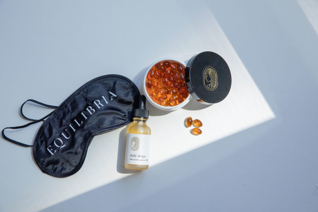 Equilibria Drops and Softgels with an eye mask